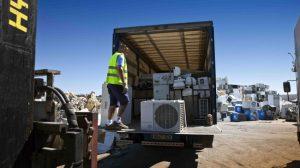 Aparatos aire acondiconado sin vida util llegan a la planta de Recilec