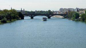 rio-guadalquivir-barco-puente-juanjo-flickr