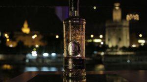 Nueva botella de Gin Puerto de Indias inspirada en la Torre del Oro