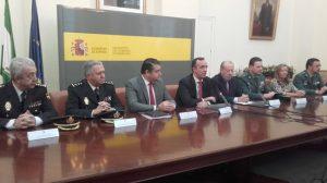 151009-firma-obras-cuarteles-Sevilla-4