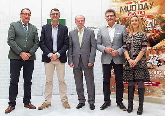 Pavón, Guillén, Villalobos, Limones y Jiménez esta mañana en la Casa de la Provincia / SA