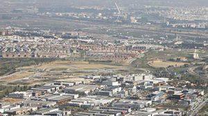 Sevilla, al fondo, desde el Aljarafe