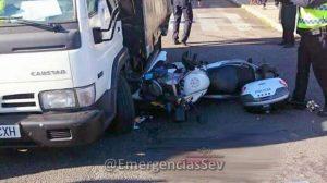 accidente-policia-y-camion