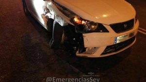 accidente-turismo-zona-norte-sevilla-emergencias