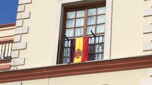 bandera-republicana-balcon-ayto