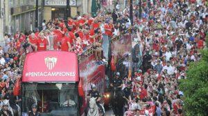 autobus-calles-celebracion-5-europa-league-sevillafc
