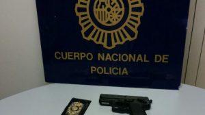 policias-impostores-intervenidos-arma-dinero