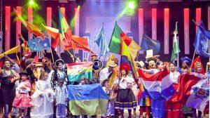 banderas-festival-de-la-naciones