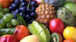frutas-pina-melon-uvas