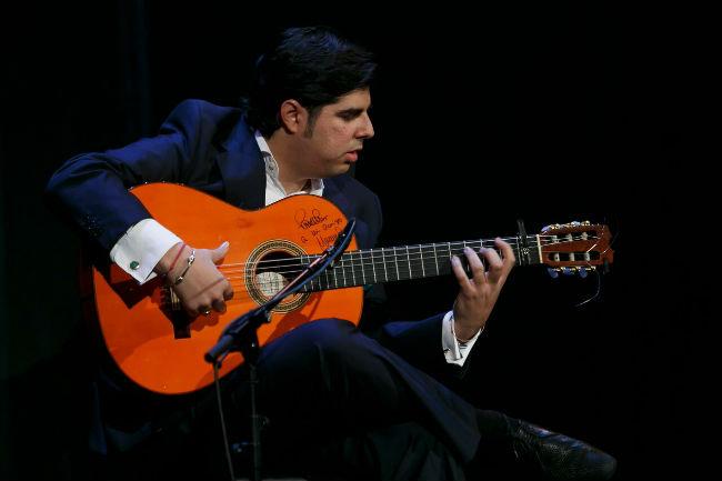 manuel-valencia-guitarra