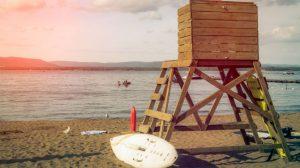 socorrista-torre-vigilancia-playas
