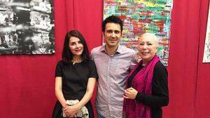 Antonio Donaire junto a Ana Fernández y Cristina Hoyos, en la inauguración de la exposición Donaire 2.0