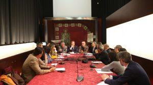 mesa-reunion-diputacion-junta