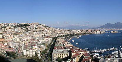 Vista de Nápoles, ciudad italiana con la que la capital andaluza quedará unida por avión desde mayo