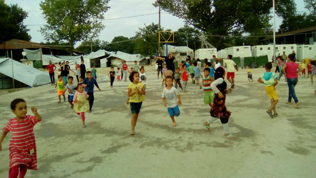 campo-refugiados-ninos-school-for-refugees