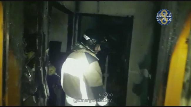 incendio-vivienda-bombero