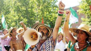 Sánchez Gordillo durante una marcha obrera
