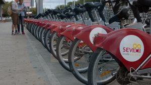 Bicicletas aparcadas en Sevilla / Pablo López