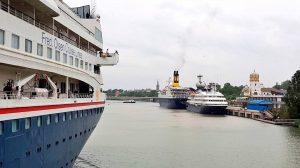 Cruceros en el Muelle de las Delicias el sábado 21 de abril /@Puerto_Sevilla