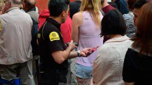 Control de entradas en el Alcázar /@EmergenciasSev