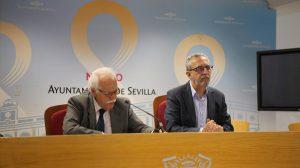 Los concejales Joaquín Castillo y Juan Manuel Flores /Ayto. Sevilla.