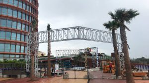 Marquesina del centro comercial /Alberto Martín