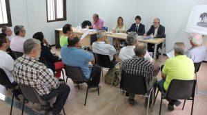Reunión con vecinos del Parque Amate / Ayto. Sevilla