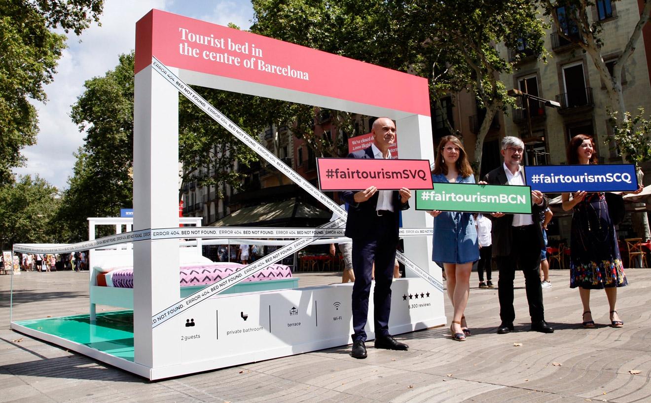 Muñoz en Barcelona en la campaña contra los pisos turísticos /Ayto. Sevilla
