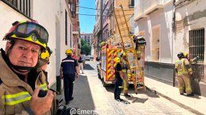 Actuación de Bomberos y Policía Local /@EmergenciasSev