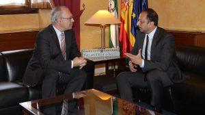 Reunión entre Gómez de Celis y Durán / Delegación de Gobierno