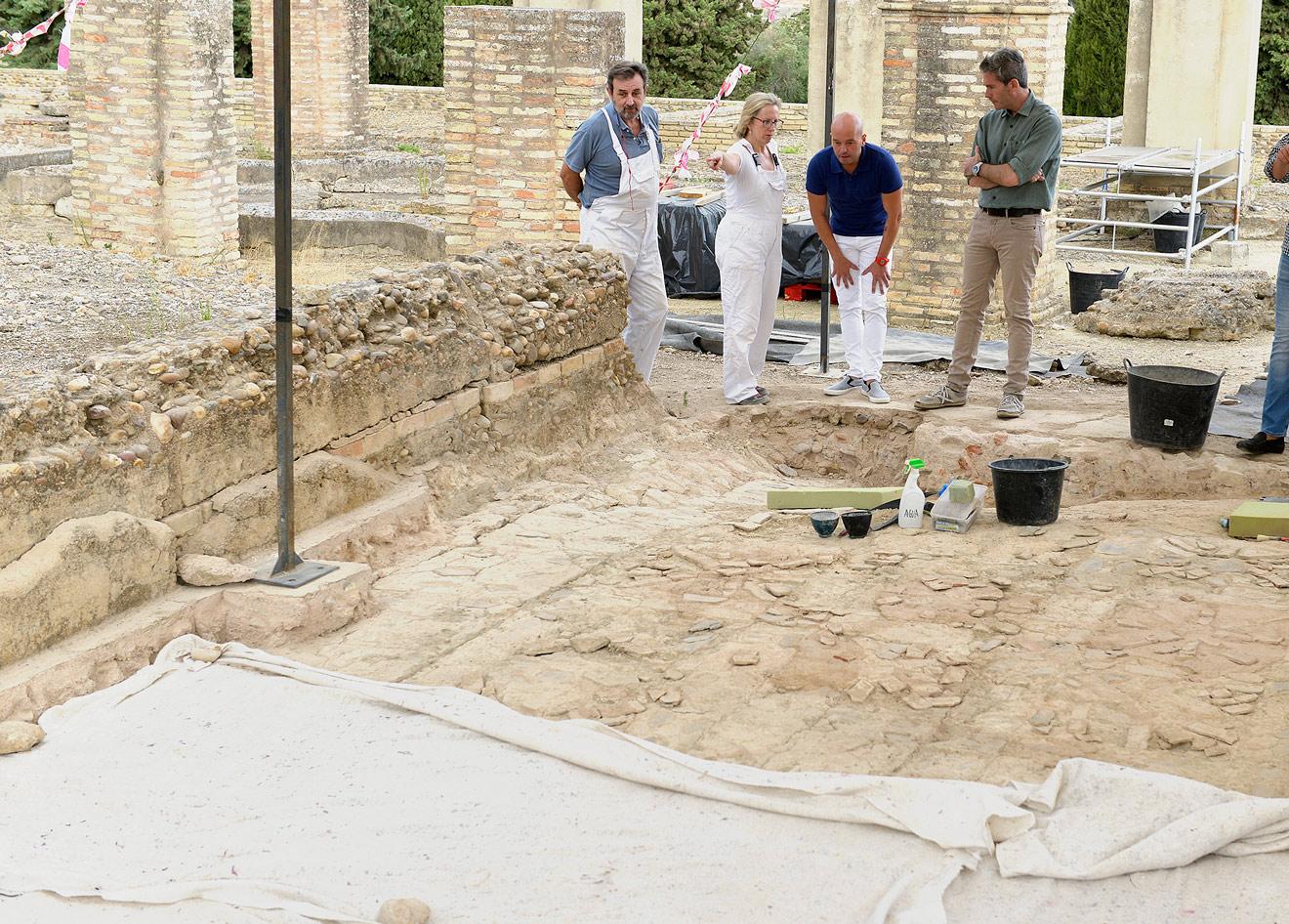 Restauración mosaico de Exedra /Junta