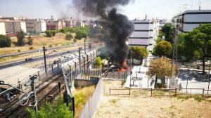 Fuego en un parque de San Juan de Aznalfarache /@plsanjuanazche