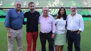 Donante que ha ganado un abono del Betis para esta temporada /Junta de Andalucía