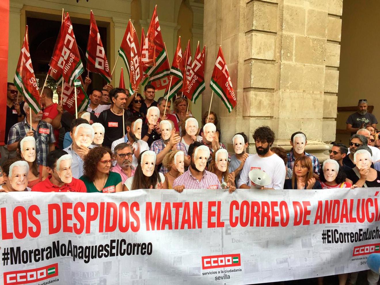 Concentración protesta El Correo de Andalucía / @aprensasevilla