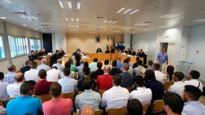 Comienzo del juicio por el amaño de las oposiciones de la Policía Local de Sevilla /@52municipios