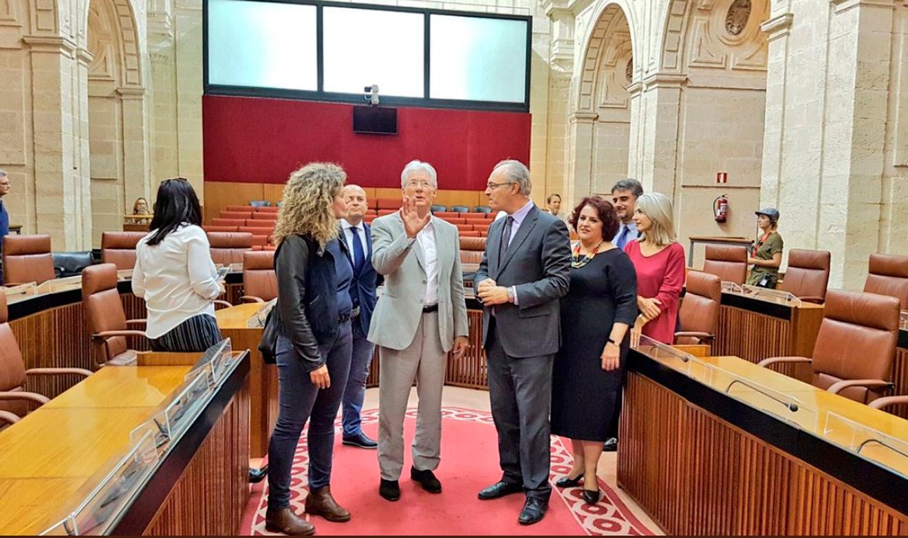 Gere en su visita al Parlamento / @ParlamentoAnd